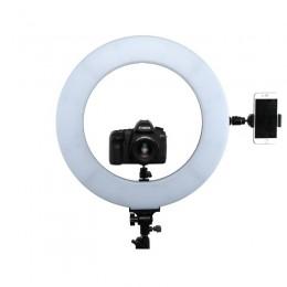 Ringlight CLR-60W finns fästen för monetring av kamera, telefon på totalt 5 ställen.